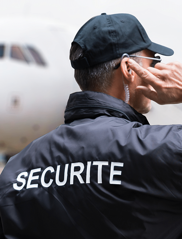 Photo d'un agent de sécurité lors d'une mission illustrant la marque Sentinel.