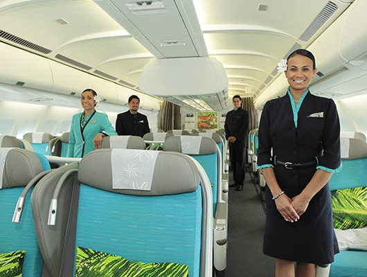 Photographie du personnel de la compagnie aérienne Air Tahiti Nui.