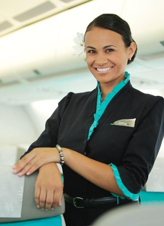 Photographie de l'uniforme de la compagnie aérienne Air Tahiti Nui.
