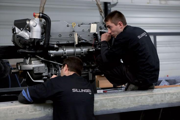 Exemple de Maintien en condition opérationnelle sur un moteur de bateau.