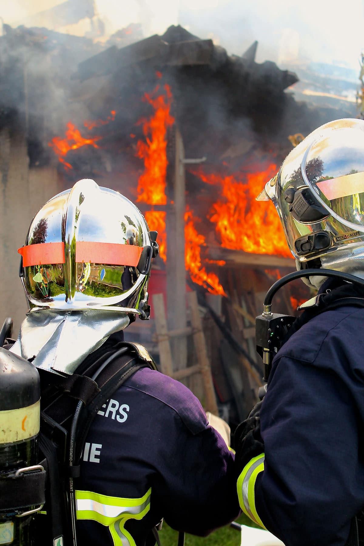 Photographie de pompiers pour illustrer le Congrès National des Sapeurs-Pompiers